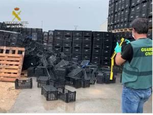 La Guardia Civil detiene en Callosa de Segura a un hombre que estafó más de 48.000 euros en cajas de plástico