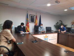 Firman el inicio de las obras de la segunda fase del Plan Edificant para adecentar el CEIP Trinitario Seva de Rafal