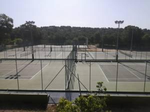 El polideportivo de Pinar de Campoverde es renovado