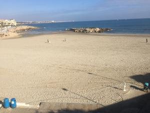 Orihuela abre cinco de sus playas para los paseos a partir de hoy