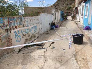 """El Ayuntamiento actuará de """"manera urgente"""" en la calle San Bruno y solicita a la Generalitat el arreglo total de la zona"""