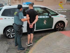 La Guardia Civil detiene al presunto autor de 6 robos con fuerza cometidos en una empresa hortofrutícola de Cox