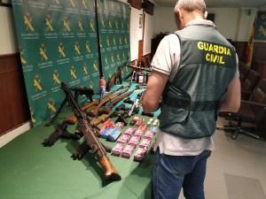Detenido en Bigastro por transformar pistolas para el crimen organizado en un taller clandestino