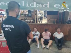 Desarticulan un grupo criminal de la Vega Baja que secuestró y torturó a uno de sus integrantes en una finca de Catral