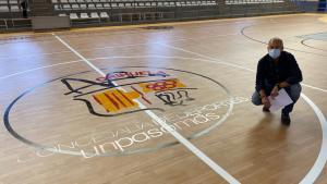 Deportes repone el pavimento del Pabellón Municipal Bernardo Ruiz tras los daños sufridos por la DANA