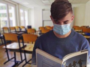 Seis poblaciones de la Vega Baja vuelven a sufrir algún brote de Covid-19 en los centros educativos