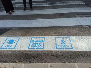 Pasos de cebra con pictogramas para los niños y niñas con TEA en Orihuela