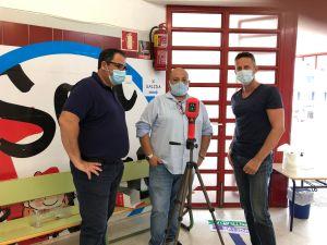 Dolores intensifica la limpieza en los centros educativos para afrontar el inicio de curso