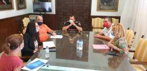 El Ayuntamiento de Orihuela y Cruz Roja se reúnen para coordinar el servicio de Ayuda a domicilio