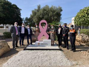 San Fulgencio inaugura un monumento en recuerdo y apoyo a las mujeres que padecen cáncer de mama