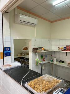 Instalan seis aparatos de aire acondicionado en el mercado municipal de Redován