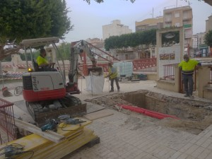 Comienzan las obras de construcción de una compuerta automática de seguridad en la acequia de La Comuna