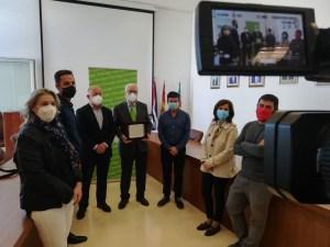CONVEGA y la Consellería de Participación apuestan por la responsabilidad social y reconocen la labor de Caja Rural en la comarca