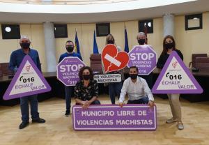Señales de tráfico contra la violencia de género en Los Montesinos