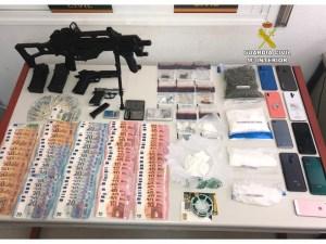 La Guardia Civil de Pilar de la Horadada desarticula tres puntos de venta de droga en Alicante y Murcia