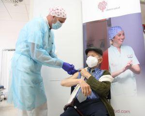 Comienza la vacunación a personas mayores de 90 años en la Vega Baja