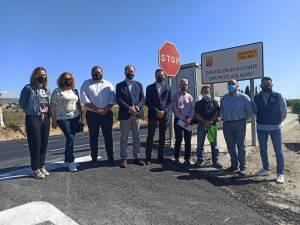 Diputación invierte 200.000 euros en adecuar el firme en la CV-871 tras quedar muy afectada por la DANA