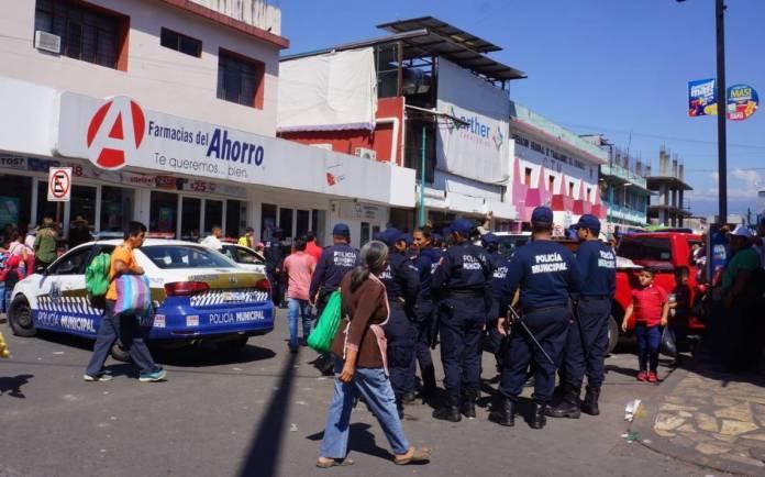 Resultado de imagen de ambulantes mazatlan policias