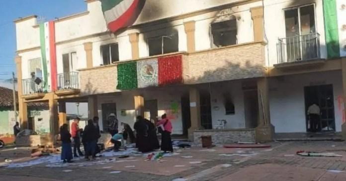 Ejidatarios queman presidencia municipal en Chiapas | Diario de México