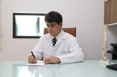 Médico Leandro Braun alerta para os riscos. Crédito: Divulgação
