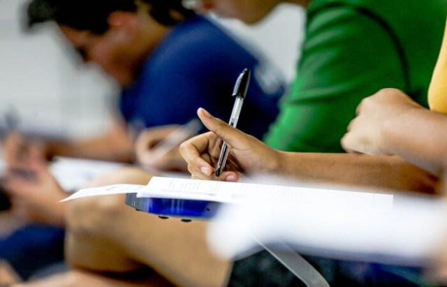 A UPE oferece 3.460 vagas, distribuídas em 11 campi da instituição, para 54 cursos de graduação (Leandro Santana Esp/DP)