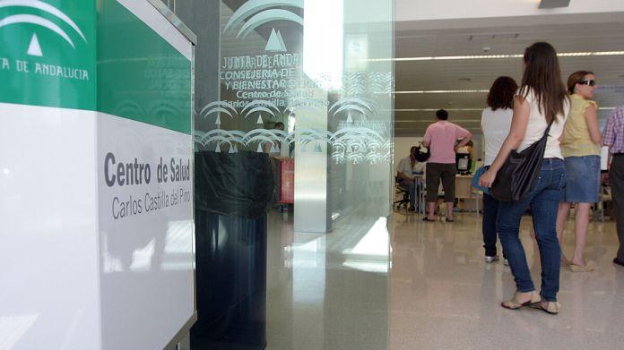 Todos los centros de salud deberán realizar test PCR a cualquier sospechoso