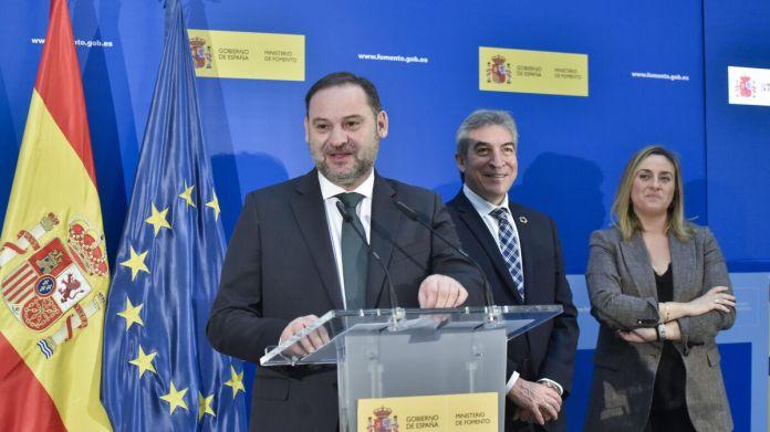 2019 diciembre. El ministro Ábalos en la inauguración del tramo A-376 Alcalá de Guadaíra - A-4 Dos Hermanas (sentido Cádiz).