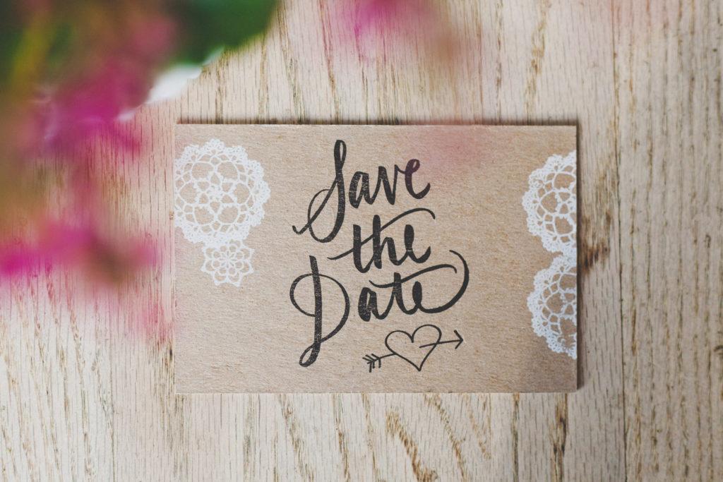 Rosa Rústico De Madera Save The Date Personalizado De Boda Letrero Casa, jardín y bricolaje