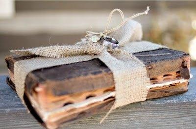 Porta alianzas bodas libro vintage rustico