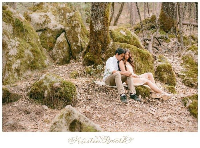 Twilight-Engagement-Photos-at-the-lake-01
