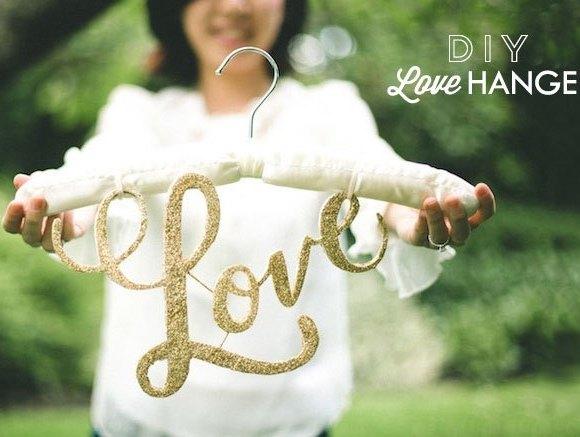 DIY love hanger - DIY Percha Personalizada