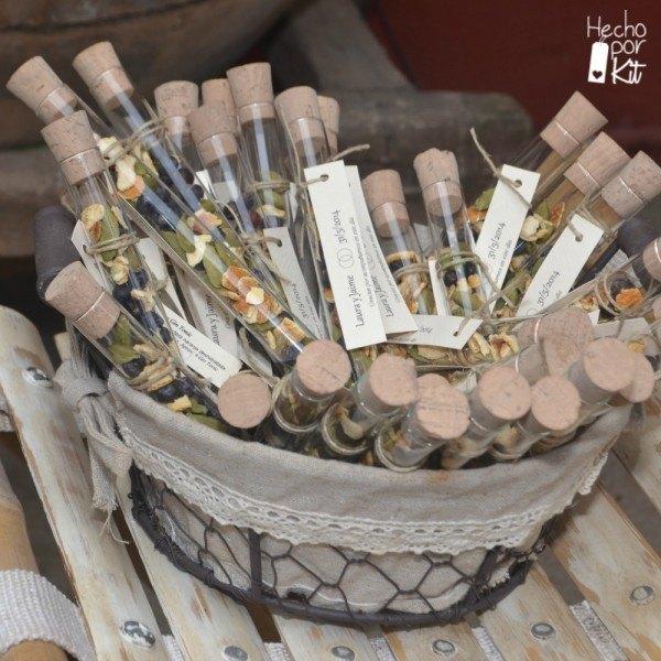 preparado-aderezo-gin-tonic-en-cesta-detalles-boda-hombres-tubos-de-cristal-hecho-por-kit-instagram