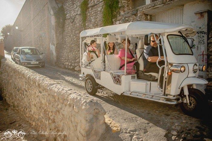 Boda en Granada multicultural y exotica coche