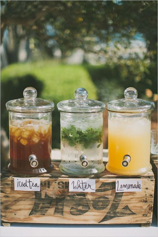 decoración de bodas rusticas barra de limonadas - Ideas para la Decoración de Bodas Rústicas