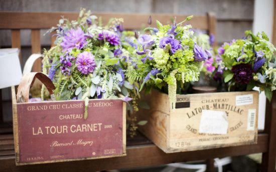 decoración de bodas rusticas flores en cajas vintage - Ideas para la Decoración de Bodas Rústicas