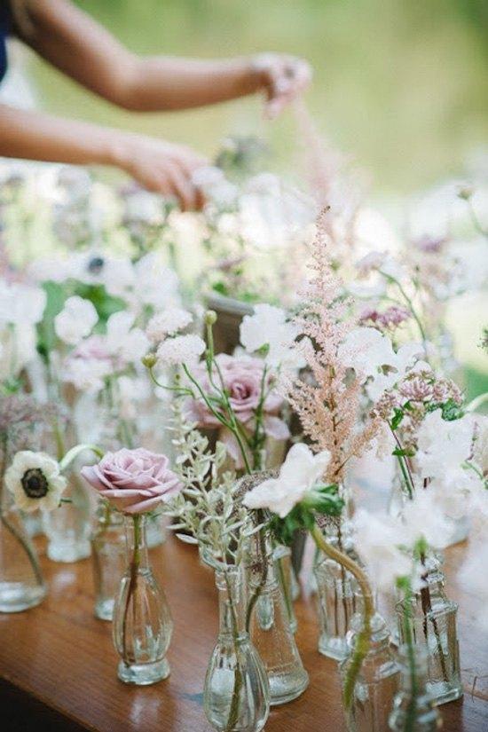 decoración de bodas rusticas flores en tarros - Ideas para la Decoración de Bodas Rústicas
