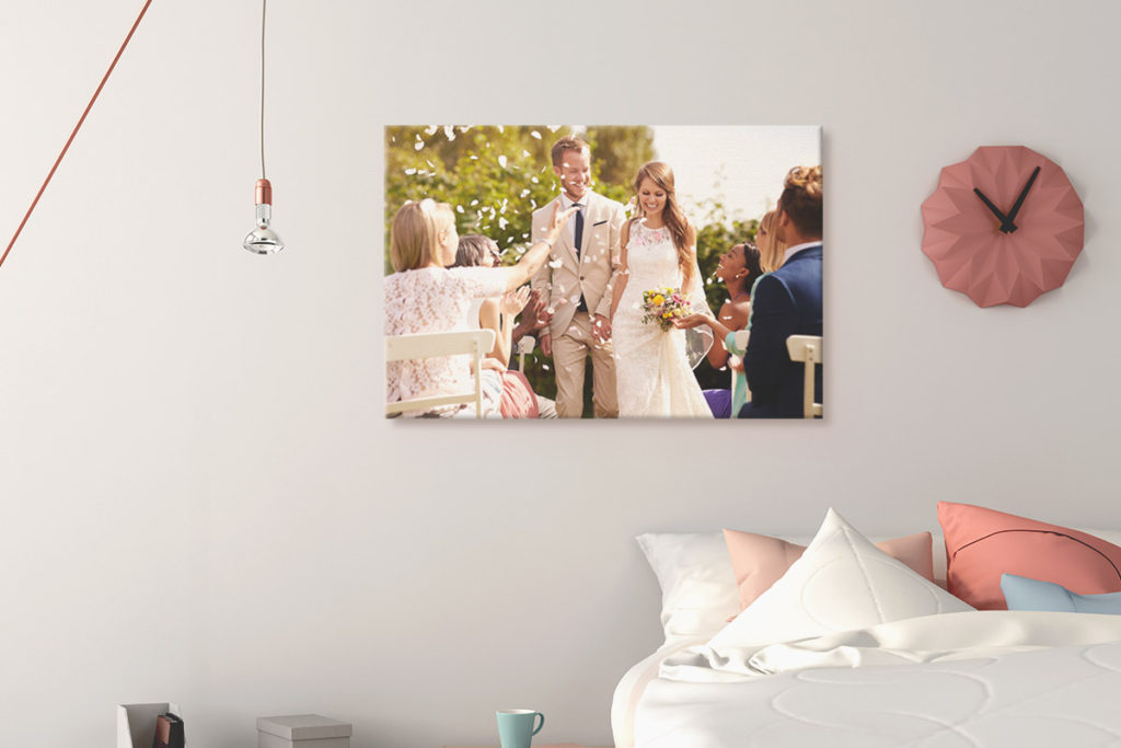 decorar dormitorio con fotos de tu boda