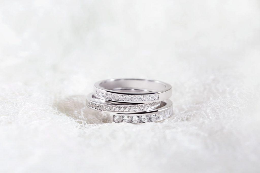Tipos de alianzas de boda 38 - Los 6 Tipos de Alianzas de Boda que Puedes Elegir