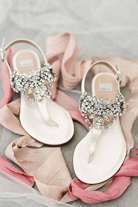 sandalias para bodas en la playa - 7 Consejos para Elegir tus Zapatos de Novia