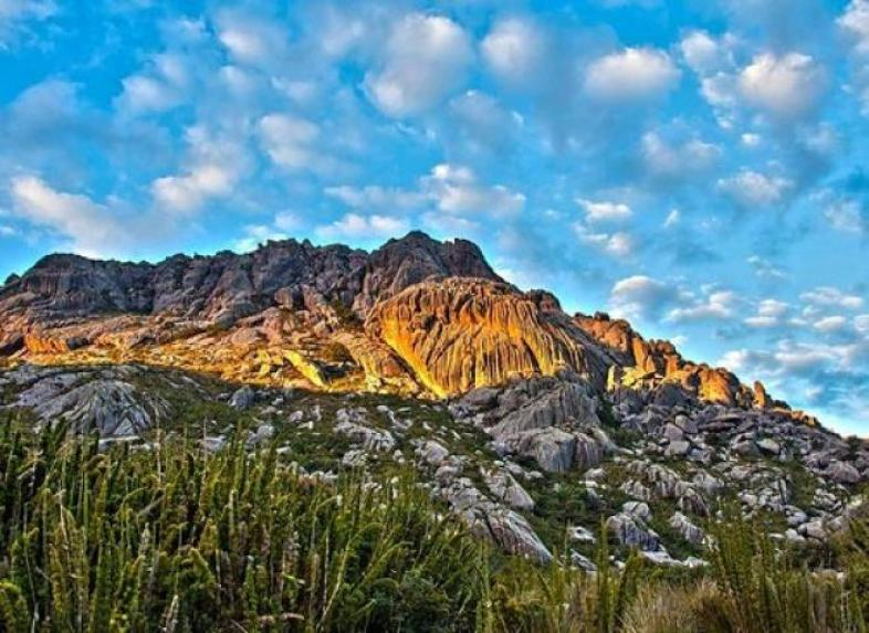 Serras do Itatiaia - Pico das Agulhas Negras: 2791,6 metros. Foto: Fernando Bonfim