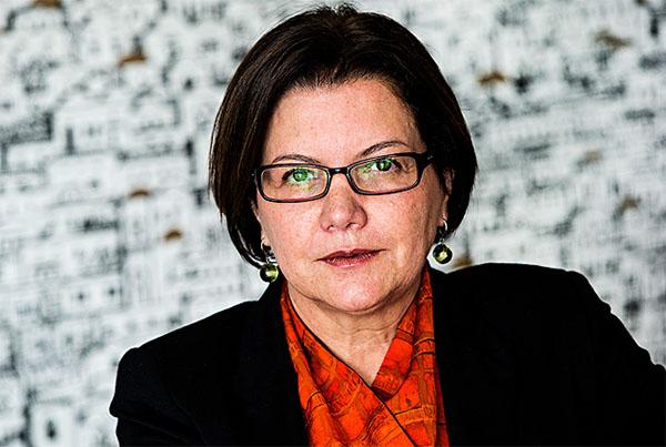 Na defesa do jornal e não do leitor: Vera Guimarães, ombudsman da Folha
