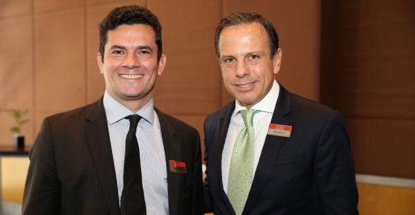Com João Dória, em evento do PSDB: conflito de interesses?