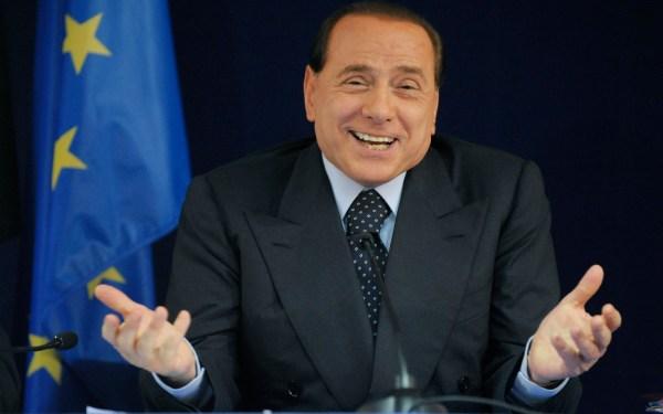 A Operação Mãos Limpas resultou em Berlusconi