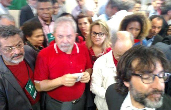 Lula na coletiva sobre a denúncia do MPF