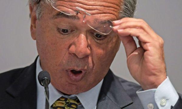 Levantamento mostra como mercado se iludiu com Paulo Guedes e errou em todas previsões