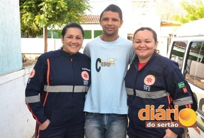 Vigilante sobreviveu ao grave acidente e agradeceu ao Samu pelo resgate (Foto: Charley Garrido)