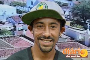 MC Marcos diz que funk é uma forma de protesto pela situação social do país