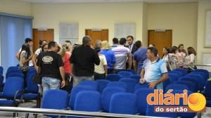 A sessão da Câmara de Cajazeiras foi agitada nesta terça