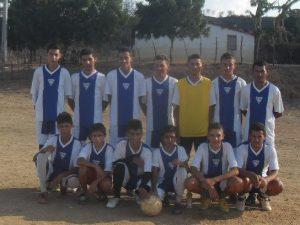 Escolinha de Futebol Azevém recebe crianças e adolescentes de 8 a 15 anos