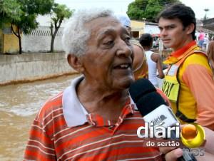 Seu Josias Ferreira não via o Açude Grande de Cajazeiras sangrar há mais de 10 anos
